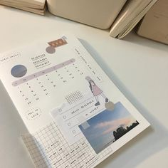 bullet journal journalling aesthetic diary page daily weekly montly layout highlighters pens cute study motivation bujo minimalistic study mildliners muji aesthetic korean kawaii daily weekly monthly