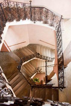 La bellissima scala in ferro battuto di Palazzo Mischi #piacenza #emiliaromagna