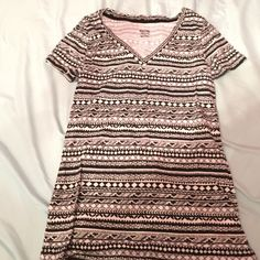 NWOT!! Adorable Aztec v-neck!! Super cute and brand new!!!! Doesn't include tags but never worn before!! Black and white Aztec print! Mossimo Supply Co Tops Tees - Short Sleeve