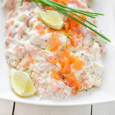Lohitahna sopii crustadien, ruisnappien, voileipien, cocktailpiirakoiden tai voileipäkakun täytteeksi. Risotto, Potato Salad, Potatoes, Ethnic Recipes, Potato