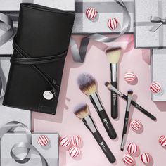 Getting all your favorite brushes doesn't require divine intervention - this limited-edition Heavenly Luxe brush set and case is the answer to your makeup routine prayers! Featuring award-winning Heavenly Luxe™ cruelty-free hair, soft-touch handles and custom-cut shapes, these skin-loving brushes are designed to do the work for you, giving you flawlessly airbrushed results and the experience of your most beautiful you every time!