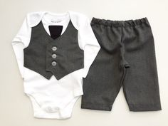 Hey, I found this really awesome Etsy listing at https://www.etsy.com/listing/188165674/baby-suit-little-boys-wedding-outfit