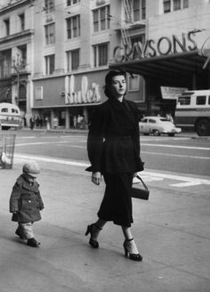 Mother and Child, San Francisco, by Dorothea Lange, 1952