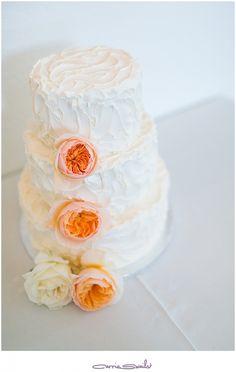 lionscrest manor wedding, simple wedding cake, white wedding cake, no cake topper, peach cake flowers, beautiful wedding cake