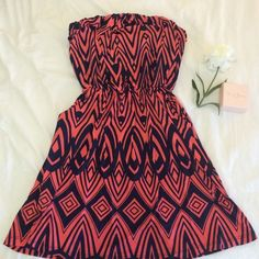 Lovely Strapless Dress This lovely strapless dress is brand new never worn. And has lovely pockets❤️ fits a small! ❗️ Donating if it doesn't sell by this week. Dresses Strapless