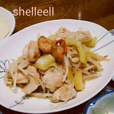 オタフク塩焼きそばソースで炒めました~ヾ(@゜▽゜@)ノ あっさり美味しいです~ - 25件のもぐもぐ - うりと鶏むね肉の塩焼きそばソース炒め by shelleell
