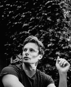 braddersjames:     22/100 edits of bradley james : in a land of merlin