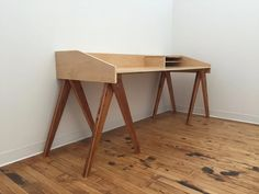 Campaign Desk : 4 Steps (with Pictures) - Instructables Woodworking Jig Plans, Woodworking Basics, Woodworking Furniture, Woodworking Projects, Diy Furniture, Woodworking Classes, Intarsia Woodworking, Wood Projects, Furniture Design