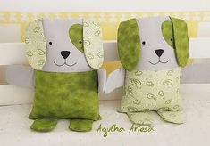 Baby Sewing Projects, Quilting Projects, Sewing Crafts, Animal Cushions, Cute Cushions, Sewing Stuffed Animals, Stuffed Animal Patterns, Fabric Toys, Fabric Crafts