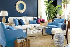 Suzanne Kasler used a garden seat as a side table in this living room