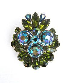 Hollycraft Green Blue Brooch 1960s Aurora Borealis by worldvintagefashion