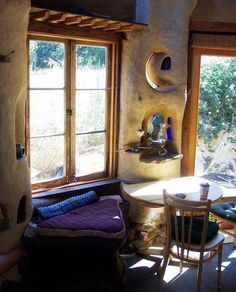 Cob Houses: Building Green With Mud and Straw Cob Building, Building A House, Green Building, Cob House Interior, Earth Bag Homes, Play Houses, Cob Houses, Earthship Home, Mud House