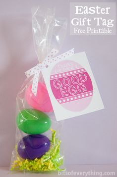 Quick and Easy Easter Gifts  Free Printable Gift Tag! by bitsofeverything.com #Easter #printable