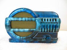 1930s Streamlined Old Belmont Swirled Bakelite Tube Radio