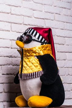Hugsy (Joey's Bedtime Penguin Pal)  Friends TV Show