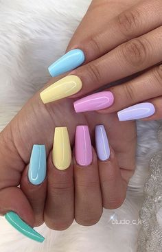 Pretty in Pastel nail colors & designs to try this season - Fab Wedding Dress, Nail art designs, Hair colors , Cakes Nagellack Design, Nagellack Trends, Stylish Nails, Trendy Nails, Best Acrylic Nails, Acrylic Nails Pastel, Summer Acrylic Nails Designs, Acrylic Colors, Kawaii Nails
