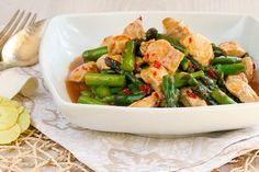Salteado de esparragos con pollo, cocina tailandesa, cocina asiatica
