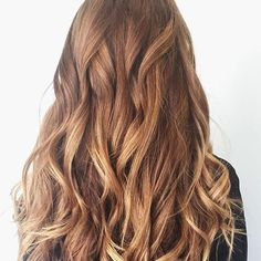 Warm Honey  Balayage Color by @reneearnoldhair  #hair #hairenvy #hairstyles #haircolor #blonde #bronde #balayage #highlights #newandnow #inspiration #maneinterest