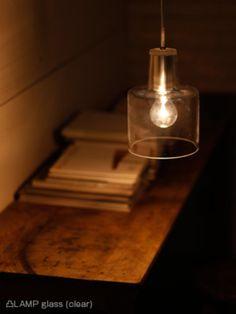 クリアタイプはグラスに光が優しく反射して素朴な印象…  レトロな雰囲気を演出してくれます!
