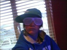 And THIS is pre-1D Kanye West–wannabe Niall Horan...