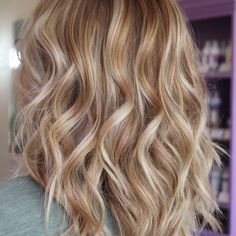 Warm Blonde Hair Shades Perfect for Brightening Your Locks This Spring Southern Living Cream Blonde Hair, Warm Blonde Hair, Blonde Hair Shades, Honey Blonde Hair, Blonde Hair Looks, Red Hair, Rose Blonde, Brown Hair, Blonde Color