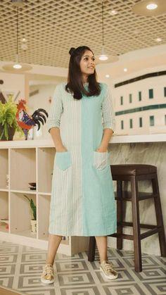 Simple Kurti Designs, Kurta Designs Women, Short Kurti Designs, Blouse Designs, Casual Formal Dresses, Stylish Dresses, Stylish Kurtis Design, Casual Frocks, Frock Fashion