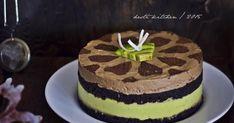 "Sering lihat kue ini berseliweran di FBnya mba Ina Moulina Fajrin Isra  ""Nyak Ina Kitchen"" . Banyak yang mesan kue ini. Artinya ban... Bolu Cake, Avocado Mousse, Mousse Cake, Cake Recipes, Food And Drink, Cooking Recipes, Cakes, Baking, Desserts"