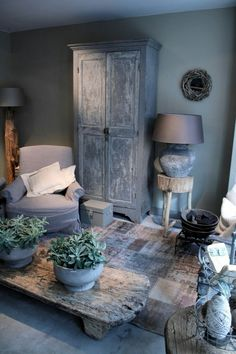 35 Large Coffee Tables For Your Extra Living Room Style At Home, Home Interior Design, Interior Decorating, Low Budget Decorating, Driftwood Furniture, Driftwood Ideas, Deco Champetre, Home And Deco, Rustic Interiors