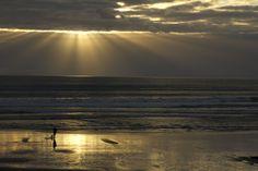 Port Waikato beach sun rays by Janet keen Photographer Sun Rays, Beach Scenes, New Zealand, Mosaic, Sunset, Artist, Artwork, Photography, Painting