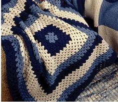 "If you've been asking yourself ""how do I crochet,"" then you've come to the right place! There are plenty of easy crochet patterns available. ""How Do I Crochet?"" 22 Free Beginner Crochet Afghan Patterns to Get You Started is a great place to start! Granny Square Crochet Pattern, Crochet Squares, Double Crochet, Granny Squares, Simple Crochet, Crochet Granny, Granny Granny, Crochet Blocks, Granny Square Afghan"