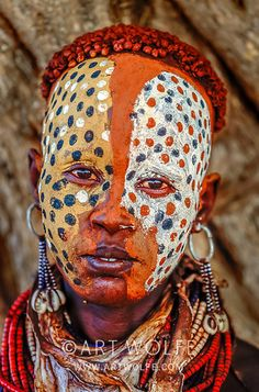 Karo Tribe, Lower Omo River, Ethiopia - Rebel Without Applause African Masks, African Art, Art Wolfe, Art Afro, Arte Fashion, Tribal Face, Art Premier, Tribal People, African Tribes