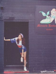 Apink Son Naeun transforms into an American beauty at the beach - Koreaboo J Pop, South Korean Girls, Korean Girl Groups, Red And White Outfits, Eunji Apink, Bubblegum Pop, Son Na Eun, Patriotic Outfit, Princesses