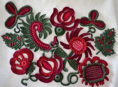 """10 piezas de aplicación 2""""-4"""" (5-10 cm), Irish crochet, ropa, flores, hojas, ganchillo hecho a mano, flores hechas a mano, Marsala, Granada, cereza"""