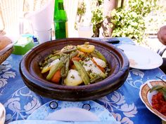 Chicken tajine for a lunch break of our tour to Ait Ben Haddou and Kasbah Telouet