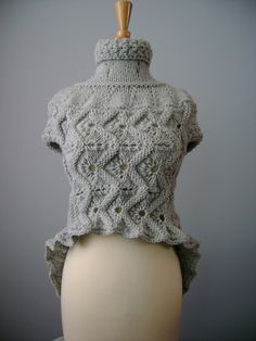 Knitted short sleeve cropped sweater vest waist coat cardigan Grey Gray Mist cable knit unique contemporary avant-garde design with Two handmade Spalted Oak buttons Knitwear Fashion, Knit Fashion, Handgestrickte Pullover, Knit Crochet, Crochet Hats, Cropped Sweater, Grey Sweater, Knit Patterns, Cable Knit