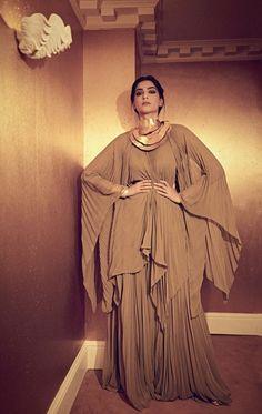 Diva Fashion, Paris Fashion, Sonam Kapoor, Indian Designer Wear, Bollywood Actress, Celebrity Style, Dressing, Ruffle Blouse, Ootd