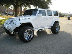 2013-jeep-wrangler-rubicon-unlimited-front-left-view_52735
