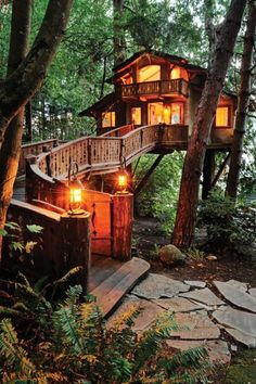"""Original caption from previous pinner is: """"Inhabited Tree House, Port Washington,Oregon"""" But I found this link http://loobylu.com/archives/003318.htm that seems to claim it is in Poulsbo, Washington."""