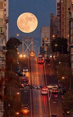 San Francisco y la Luna Llena. - maria do Carmo Barbosa