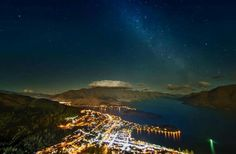 Incredible Nighttime Sky Over Queenstown, New Zealand - Socks On An Octopus Nighttime Sky, Nature Photography, Travel Photography, Amazing Photography, Ipad Air Wallpaper, Queenstown New Zealand, Milky Way, Dream Vacations, Travel Photos