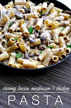 Can we talk about a creamy garlic ricotta sauce smothering hearty rigatoni pasta, with a hefty helpingof mushrooms and chicken...oh and crispy bacon... I want to talk about it. This pastadeserves a little praise, because thisdinner came together in a little under 15 minutes and the flavors.