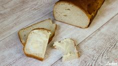 Selbst gemachtes Buttermilch-Toastbrot zum Frühstück ein Traum.