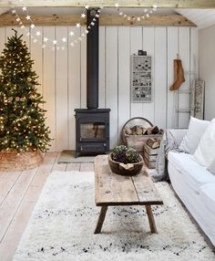 I'm not ready to say good-bye to all of the Christmas decorations but a busy week next week means I need to make a start. Scandinavian Fireplace, Scandinavian Garden, Best Interior Design, Cool Rooms, Christmas Inspiration, My Dream Home, Beautiful Homes, Furniture Design, Sweet Home
