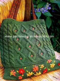 """Knitted bag """"Spring"""" with pattern in Russian. -- Again, I'd nix the flower embroidery, otherwise I like the design. Towel Crafts, Yarn Crafts, Hand Knitting, Knitting Patterns, Knit Art, Crochet Purses, Knitted Bags, Cloth Bags, So Little Time"""