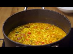 SOUP rice with chicken and vegetables Youtube Cooking Channels, Chicken And Vegetables, Health Tips, Chili, Curry, Soup, Ethnic Recipes, Yummy Yummy, Pasta