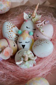 Hier meine bunte Sammlung an Ostereiern 💖 Bunt, Christmas Ornaments, Princess, Holiday Decor, Diy, Home Decor, Dekoration, Decoration Home, Bricolage