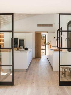 Oak x Stone Home Interior by Susanna Cots, Girona – Design. / Visual.