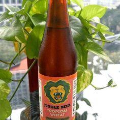 Cerveja Tropical Wheat Pink Guava & Soursop, estilo Fruit Beer, produzida por Jungle Beer, Cingapura. 4.3% ABV de álcool.