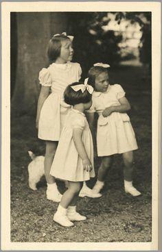 D e Prinsessen Margriet-Irene en Beatrix (NL)