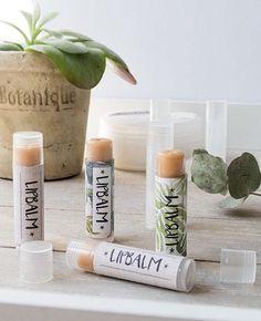DIY-Anleitung: Lip Balm mit Kakaobutter und Sheabutter selber herstellen via DaWanda.com